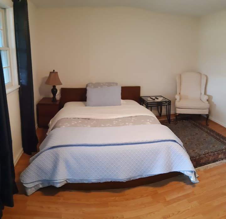Spacious Private Room, Bathroom and Entrance.