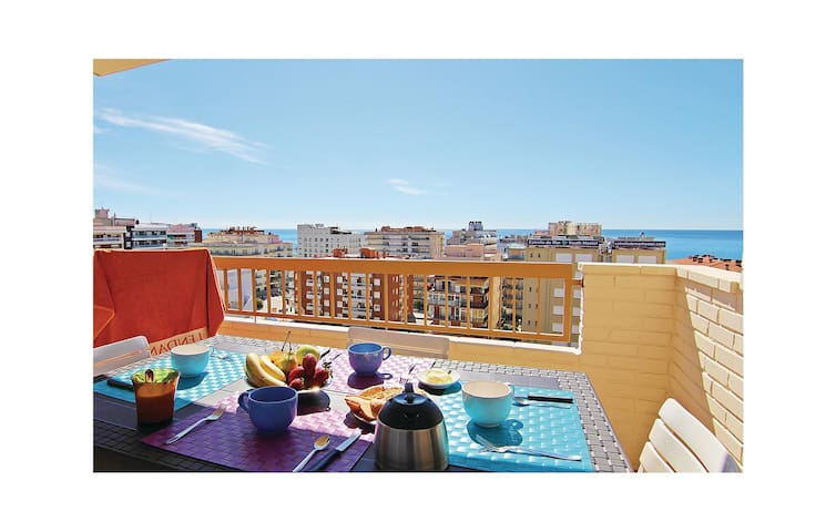 Holiday apartment with 2 bedrooms on 60 m² in Calella