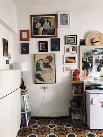 Small gallery apartment in the center of Tel Aviv