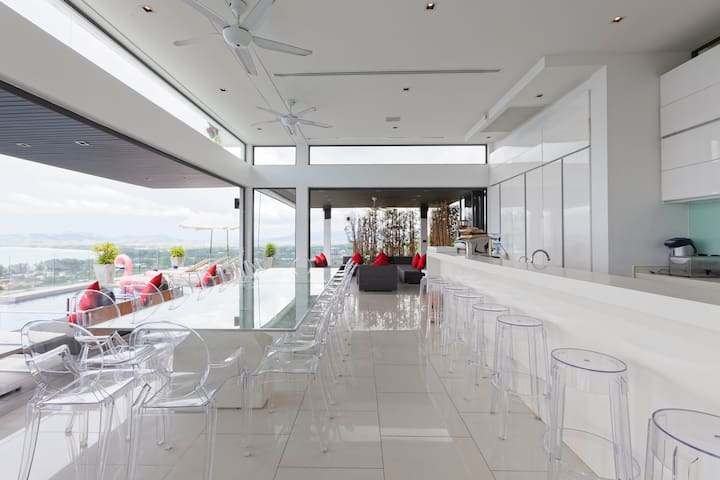 4th floor dining area and bar. The infinity pool is to the left.