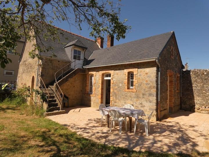 Maison à Solesmes (Sarthe) très proche de l'Abbaye