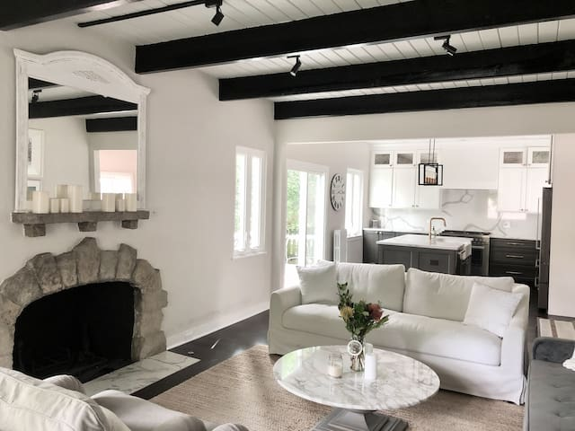 Fresh and stylish family home near Lake Michigan