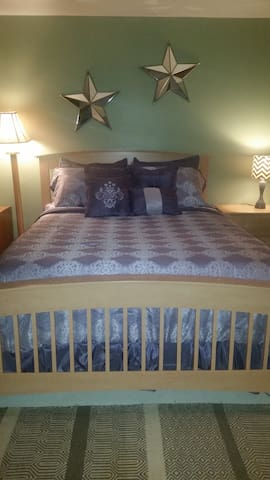 Spacious, Private Master Bedroom Suite - Shiprock - Apartmán pro hosty