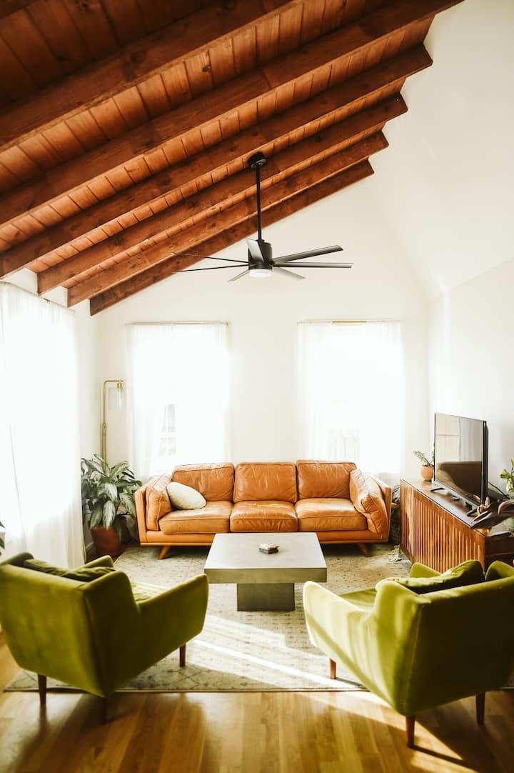 Bright, Boho 3BD Dream Home w/ Backyard near DT