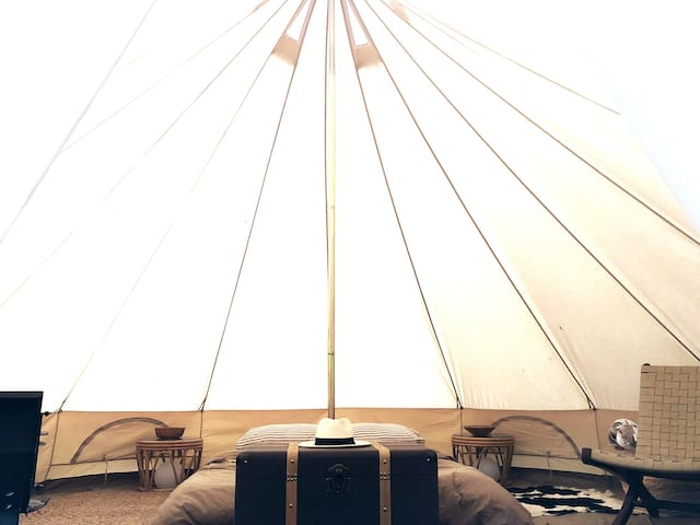 Glamping Getaway in the Heart of The Catskills