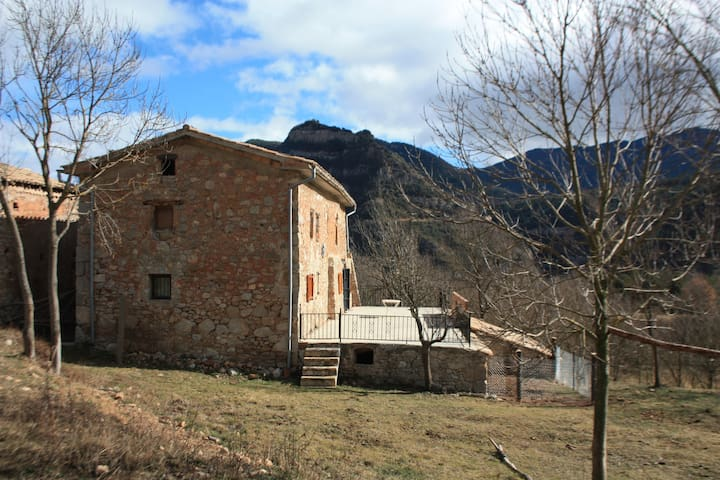 A house in the Cadí-Moixeró Park - Guardiola de Berguedà - Rumah