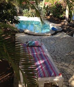 Papeete Chambre avec piscine. - Faa'a