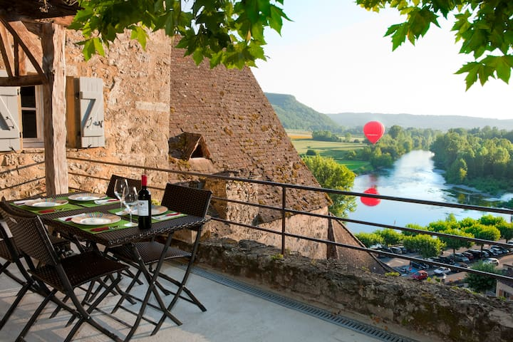 One of  the most MAGICAL   view  in Beynac