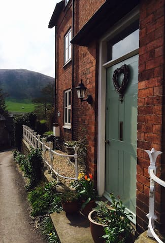 Buxton House B&B, All Stretton, Shropshire - All Stretton - Bed & Breakfast
