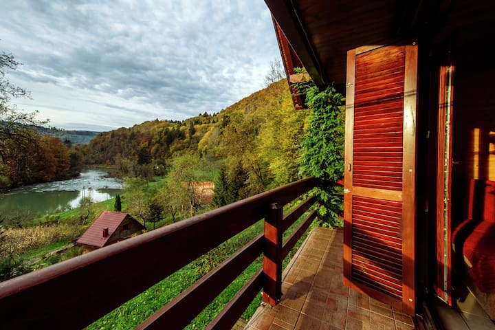 Holiday home in the countryside with magnificent view on the river Kupa valley