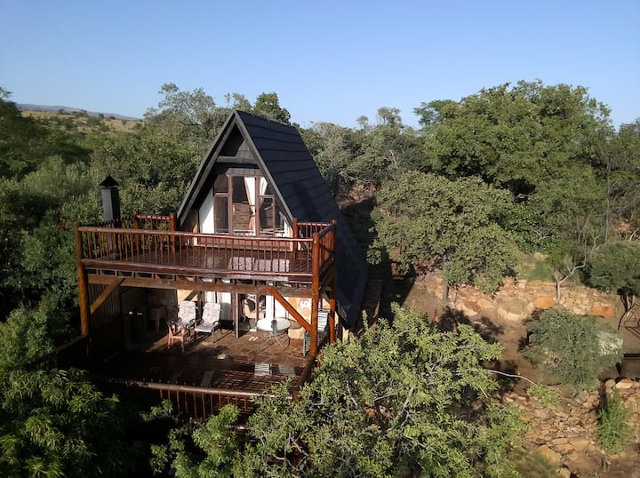 Deck & Dassie Cottage