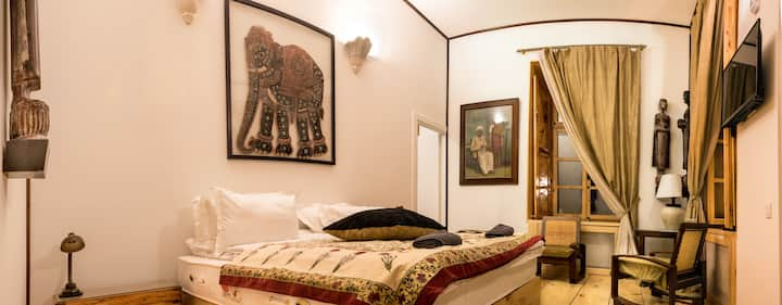 Delhi Suite with Glass Balcony, Castle in Old Town
