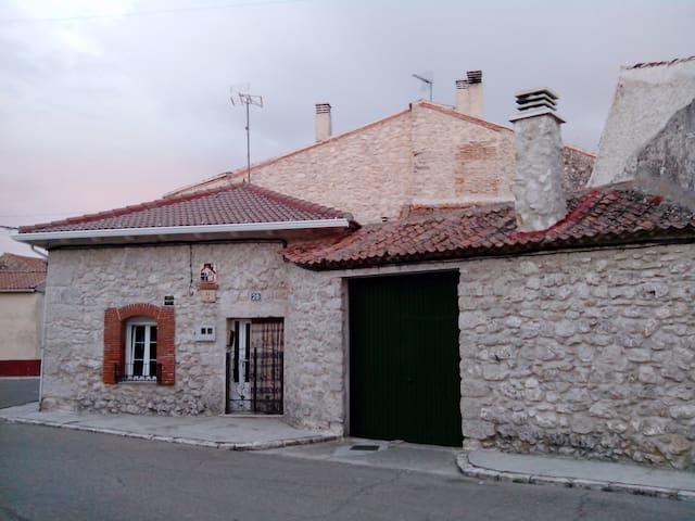 """Casa rural """"El Camino"""" Montemayor de Pililla."""