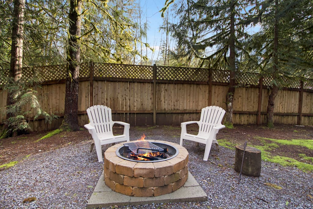 Enjoy the warmth of the fire in the outside fire pit