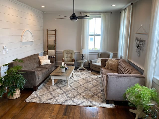 🏡 Townhome/ disinfected with natural cleaners 🧼🧴🧺