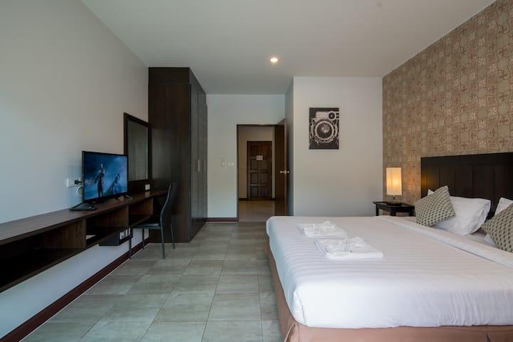 ☼♥ L DLX 1 BED APT for 2, nightlife n'beach  ♥☼