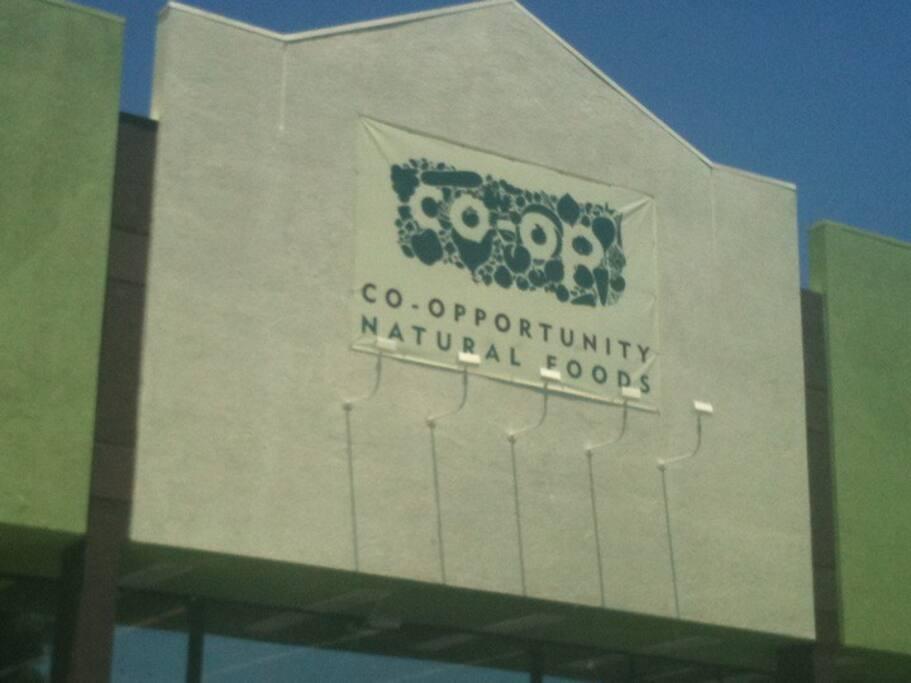 Photo of Co-opportunity Market & Deli - Santa Monica