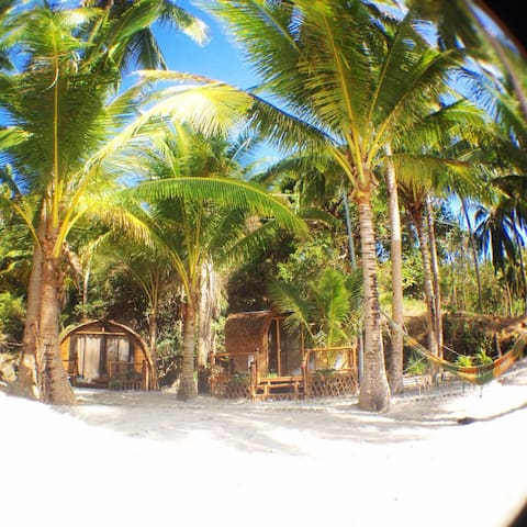 Akim's Haven, guest houses on the beach - PH - Nature lodge