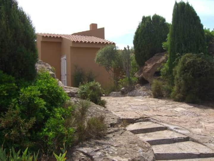 Monolocale indipend. 25mq in villa bifam+giardino