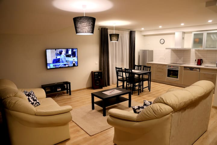 ⚜ Downtown Hill Apartments Close to Center Free 🅿