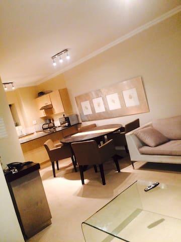 Exquisite , exclusive, luxury 2 bed apartment. - Johannesburg - Apartment