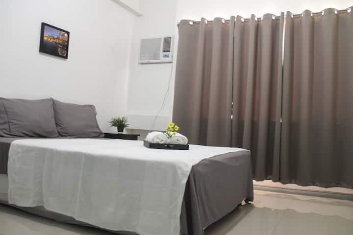 :O) Big 1BR Ensuite Makati near Cash n Carry Mall
