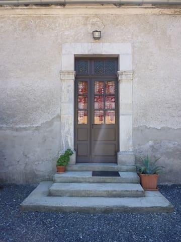 Grand studio dans une belle ferme pyrénéenne - Lézignan - Apartemen