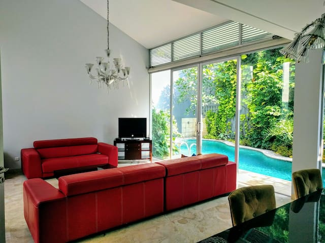Beutiful home in Cipete south jkt - cipete - Casa