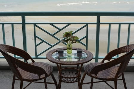 Paradise Lagoon Seaview Studio Apartment