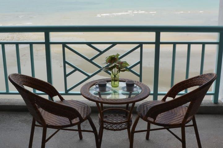 Paradise Lagoon Seaview Studio Apartment