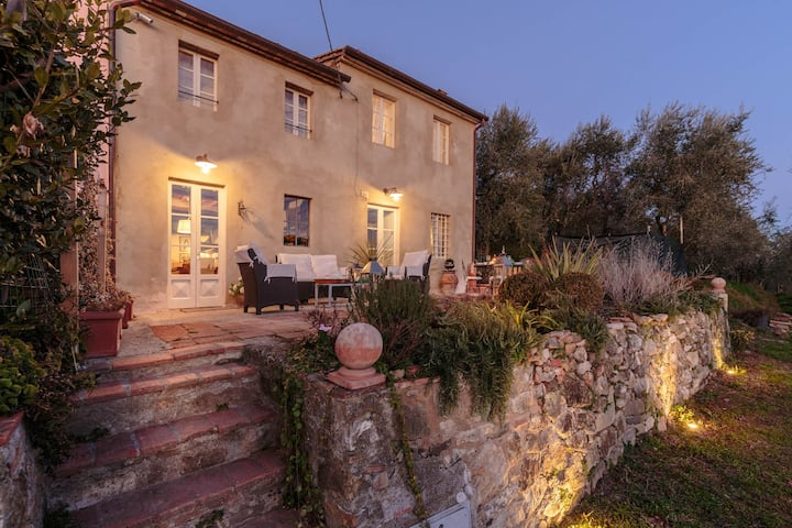 VILLA MARZIA, your Country Retreat with Garden and Panoramic View in Lucca