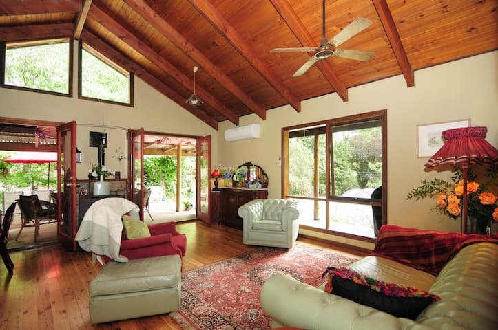 Orange Blossom House Accommodation