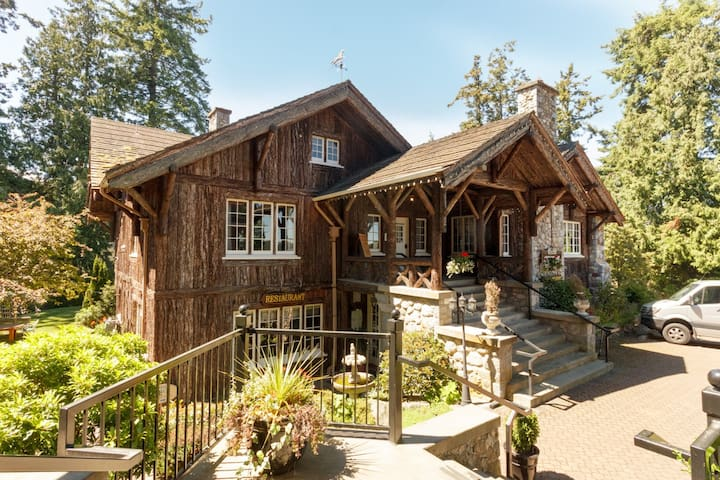 Beautiful Heritage house -B&B in Sidney, BC - Sidney
