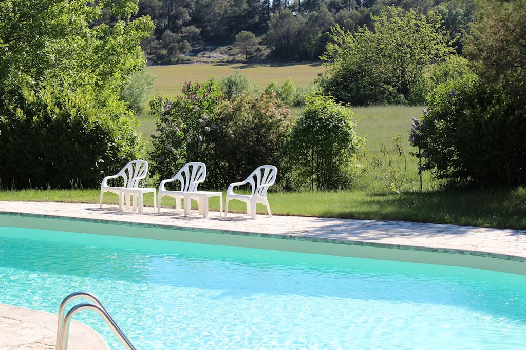 the pool, surrounded by a wonderful and quiet countryside