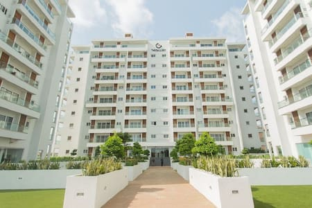 Live In The Heart Of Accra.  Great Reviews.