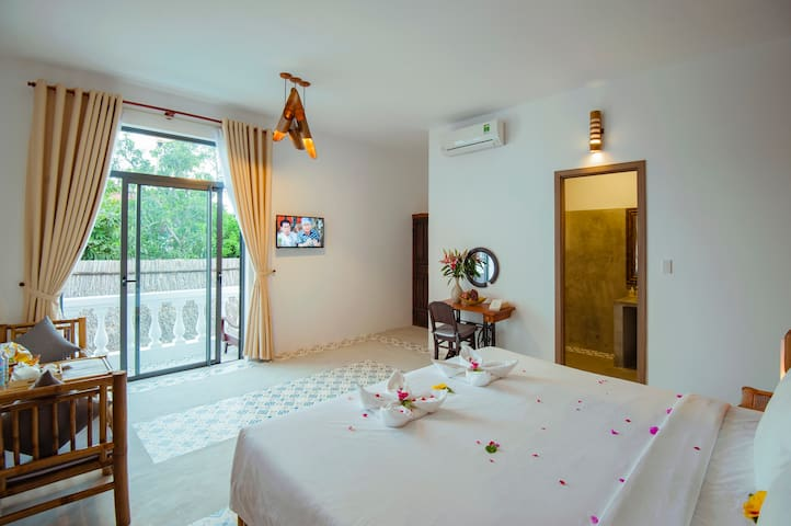 Deluxe Double room with Balcony - Rustic Villa