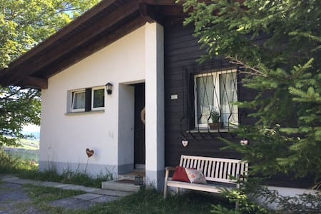Famlienfreundliches Ferienchalet für 6-7 Personen - Lumnezia