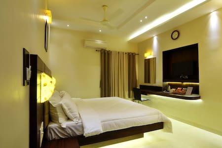2 Bedroom Apt. Close to Airport - 達波林(Dabolim) - 公寓