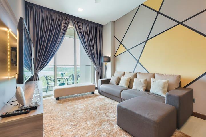 Exceptional Marina and Resort Living Puteri Cove