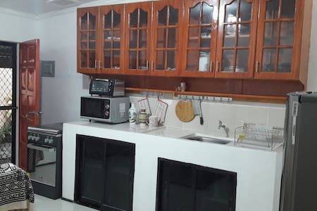 Furnished Apt, Double Bed, WiFi, TV, Aircon