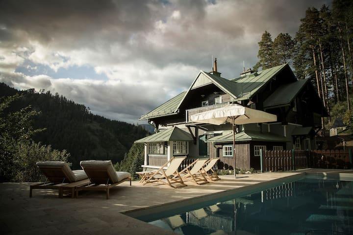 Villa Antoinette - private chalet