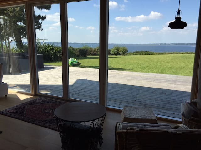 Seafront summer house - 45 min. from Copenhagen - Skibby