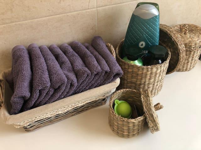 Lavette e necessario bagno Face towels and soaps