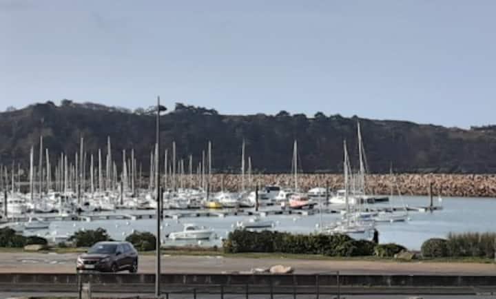 Appartement vue mer 100 m plage 4 pers Bretagne