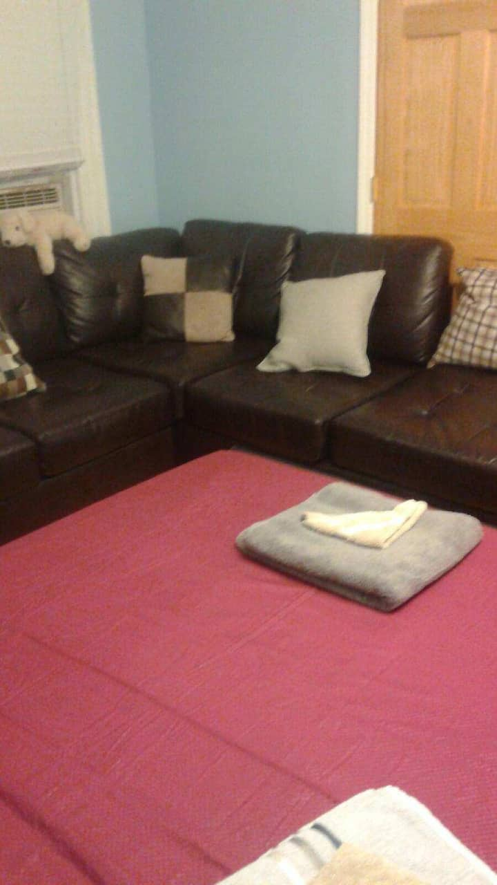 LOVELY PRIVATE BED ROOM 12 MINS FROM JFK