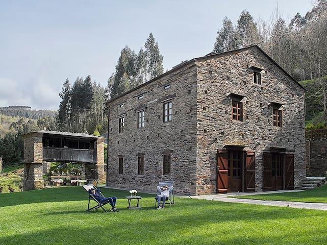 Casona de Labrada, a unique & eco rural experience - Labrada - Haus