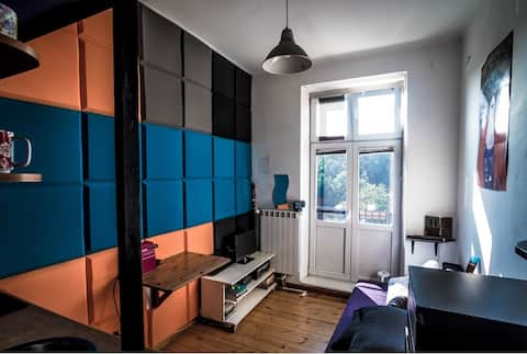 Cheap funky studio - central Warsaw