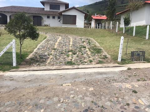 Private wonderful house, near Mojanda Lagoon