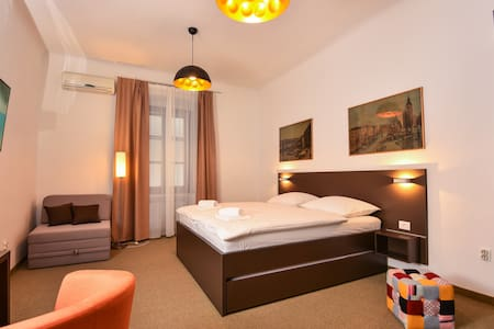 Family-friendly B&B Prima 4rooms - Fiume - Bed & Breakfast