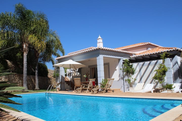 Beautiful 3 bedroom Villa on Golf course